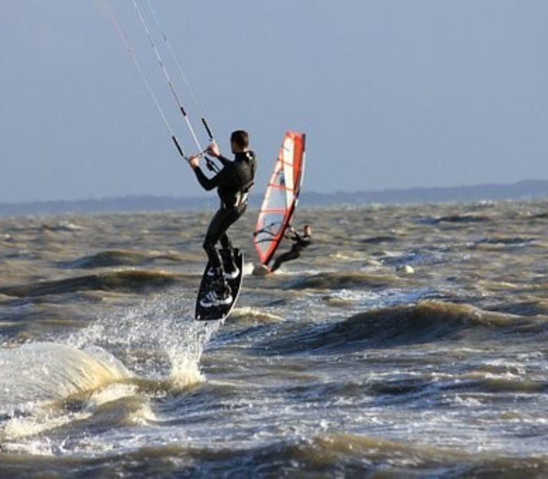 Stage kitesurf : 5 bonnes raisons de vous y inscrire